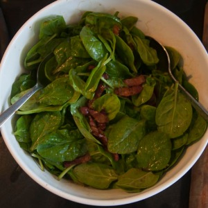 Spinach and bacon salad with balsamic dressing