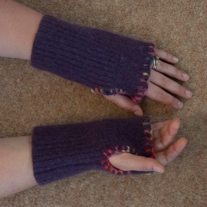 Finished fingerless gloves
