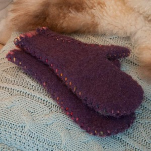 Machine felt mittens