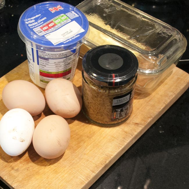 Baked eggs - ingredients