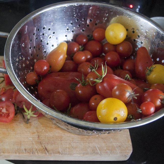 Wash & trim tomatoes