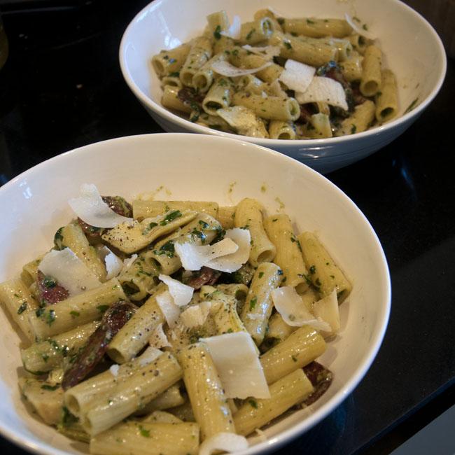 Pesto pasta ready to serve