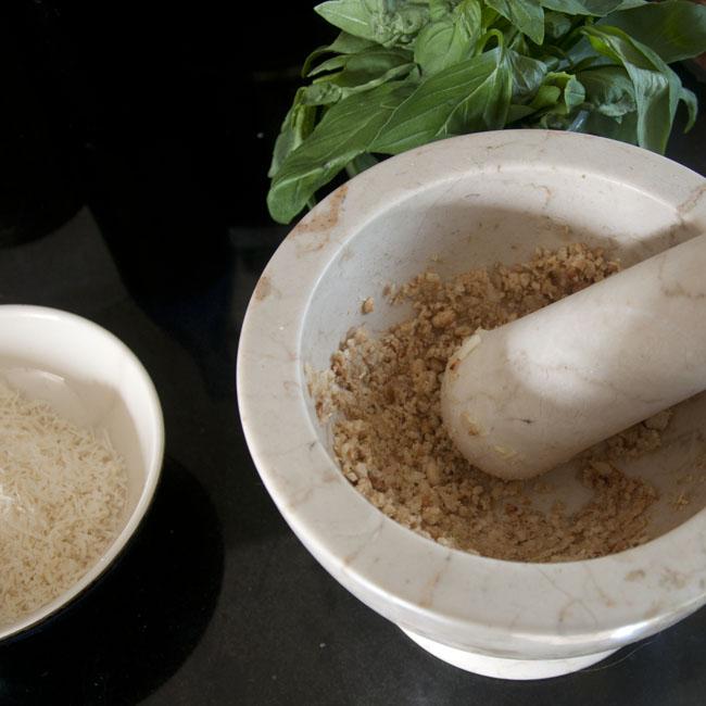 Crushed garlic & pine kernels